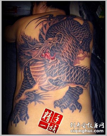 男性满背霸气麒麟纹身图案