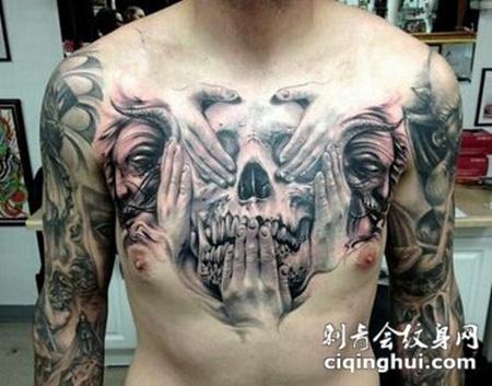 惊悚骷髅胸部纹身