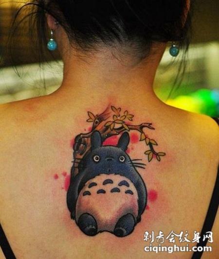 背部卡通可爱纹身