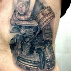 欧美复古腰部纹身