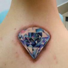 唯美钻石女性纹身图案