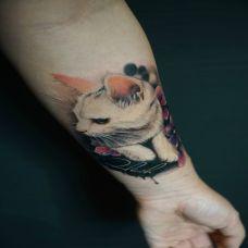 宠爱一生,手臂猫咪写实彩绘纹身