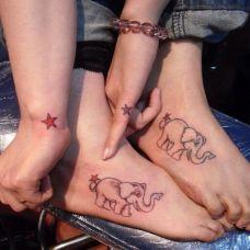 情侣脚裸个性大象爱情纹身图案