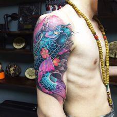 跃出龙门,大臂传统鲤鱼彩绘纹身