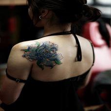 花开不败,披肩牡丹花彩绘纹身