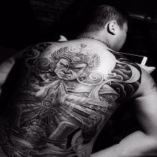 逆天神将,满背二郎神霸气纹身