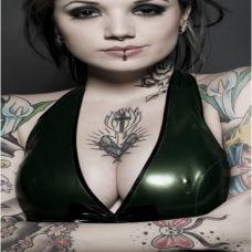 欧美女子时尚花臂纹身图片