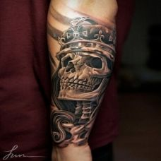 手臂惊悚半甲骷髅头纹身