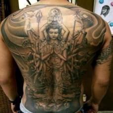 男人满背纹身千手观音刺青图案
