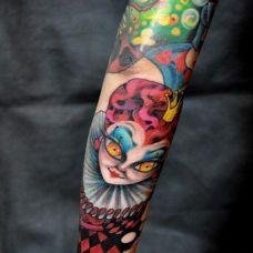 抽象人物手臂纹身
