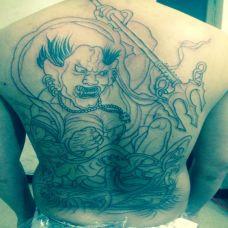男生满背经典夜叉探海纹身图案