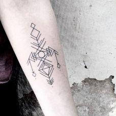 手臂黑白小清新抽象纹身