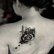 欧美传统泼墨纹身图片