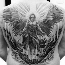 背部好看圣天使黑白纹身图案