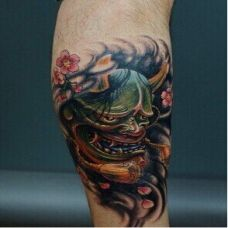 小腿炫酷时尚的般若纹身