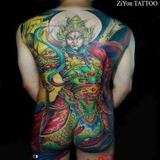 男生满背彩色二郎神纹身图案