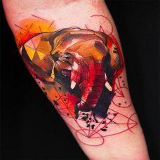 手臂上另类艺术大象纹身图案