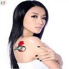 捕梦玫瑰肩部纹身