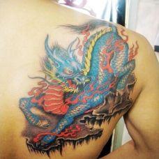 后背彩绘麒麟纹身图案