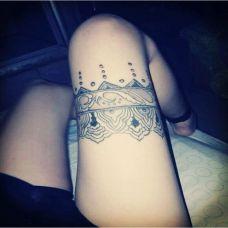 腿部性感纹身蕾丝图案