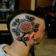 炫彩玫瑰脸部纹身图案