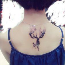 小清新好看的鹿纹身