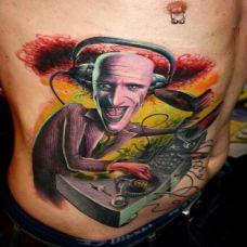欧美纹身师腰部纹身作品欣赏