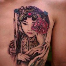 气质花旦背部纹身