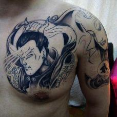 男生肩部二郎神天眼纹身刺青图案