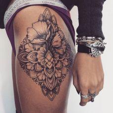 大腿上艺术罂粟花刺青图腾图案