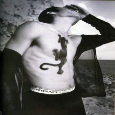男士霸气胸部纹身
