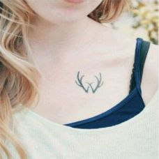 肩部锁骨唯美纹身