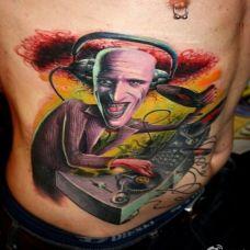 csaba艺术怪才腹部纹身