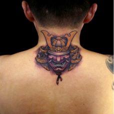 脖子炫酷的彩绘纹身图案
