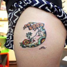 蕾丝蝴蝶结腿部纹身