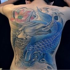 背部霸气鲤鱼纹身图案