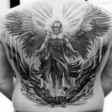 纯洁的背部天使纹身