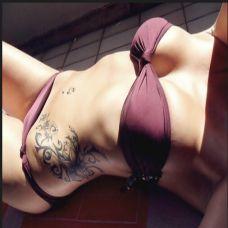 美女性感腰部个性藤蔓植物纹身图片