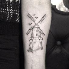 黑白色调几何线条手臂纹身图案