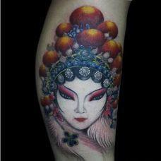手臂经典花旦纹身