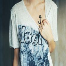 气质唯美胸部纹身
