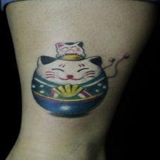 可爱卡通腿部纹身