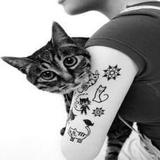 卡通可爱猫咪黑白纹身