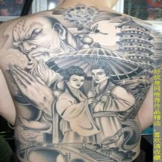背部黑白纹身白蛇传图案