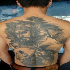 潮流男生满背钟馗纹身图案