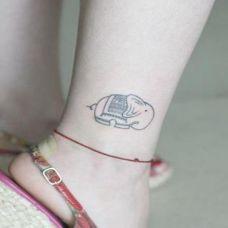 可爱小象腿部纹身