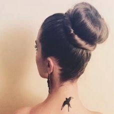 唯美小清新颈部纹身图案