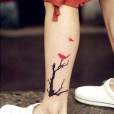 艺术花边腿部纹身