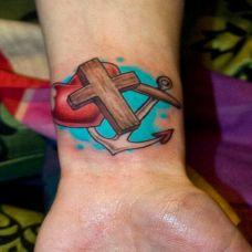 手腕上艺术彩绘船锚纹身图案
