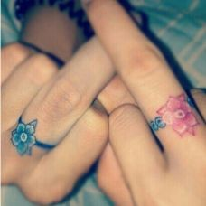 唯美情侣手指小清新戒指纹身